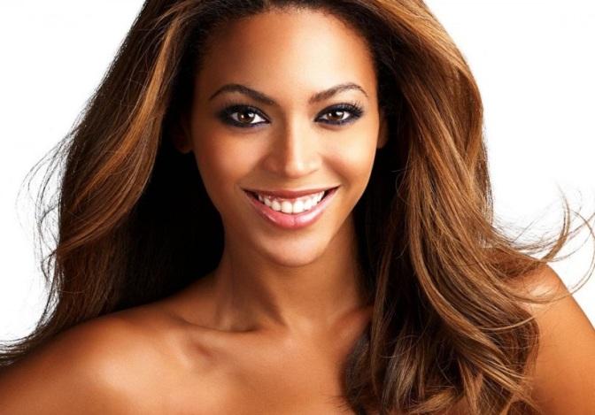 Beyoncé (& Chimamanda?!) – A Flawless Release